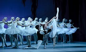 キエフ・クラシック・バレエ3大「白鳥」 (1)a
