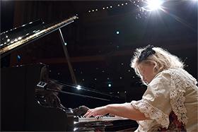 サンライズ【画像】1128公演「フジコ・ヘミング&イタリア管弦楽団」280