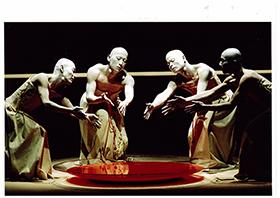 北九州芸術劇場_山海塾「遥か彼方からのーひびき」リ・クリエーション_(C) Masafumi Sakamoto(北九州芸術劇場)280