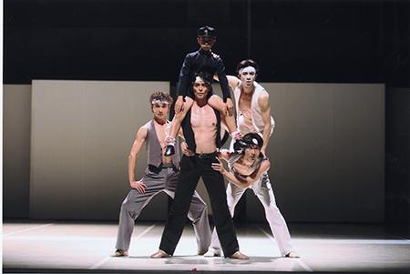 NBS_東京バレエ団「M」三島少年と4人の分身05-10no.089photo_©KiyonoriHasegawa450